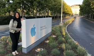 Inga Knoche am Apple Campus in Cupertino